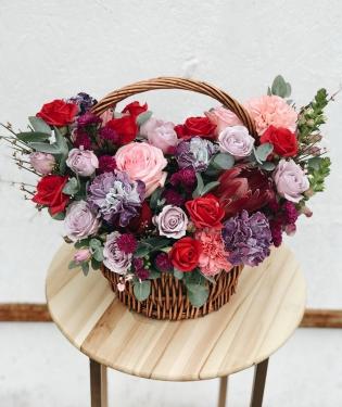 Корзина с цветами Серена