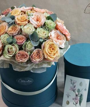 Цветы в коробке Совершенство