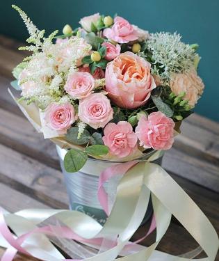 Цветы в ведре Миранда