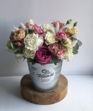 Цветы в ведерке Дюшес