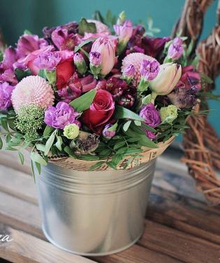 Цветы в ведре Монреаль