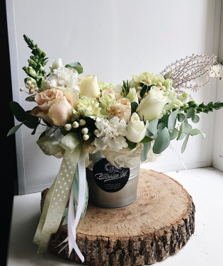 Цветы в ведре Танго