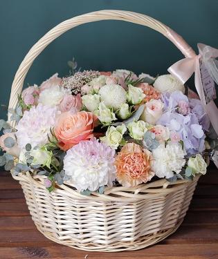 Цветы в корзине Глори