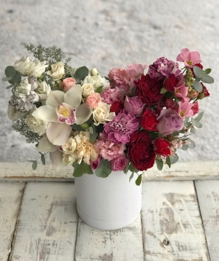 Цветы в коробке Нимфа