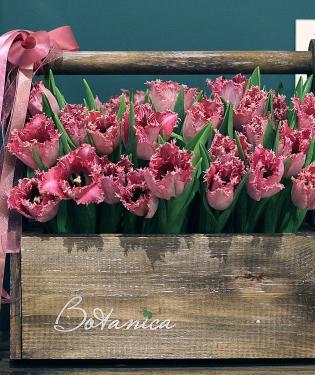 Ящик из 35 тюльпанов