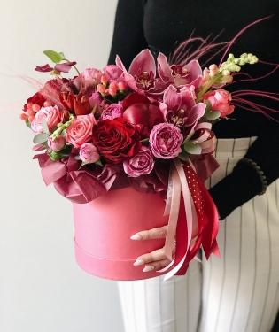 Цветы в коробке Найтли