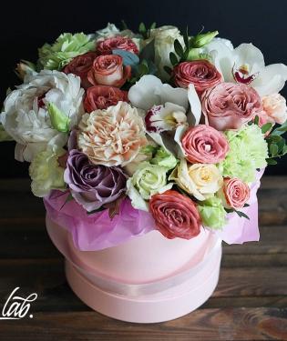 Цветы в коробке Альба