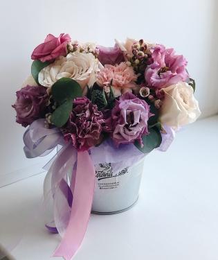 Цветы в ведерке Моника