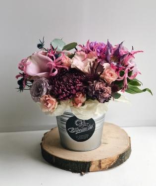 Цветы в ведерке Бормио