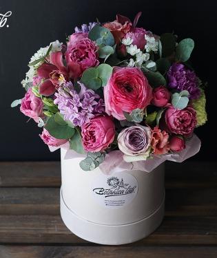 Цветы в коробке Помона