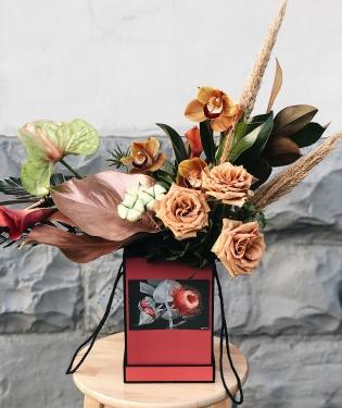Цветы в коробке Саннивейл