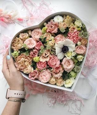 Цветы в коробке Линнет