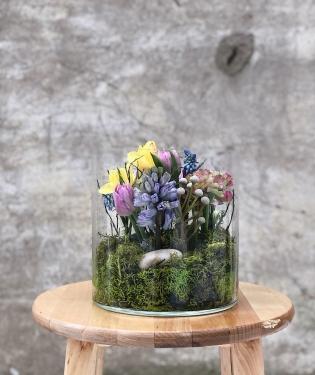 Весна за стеклом