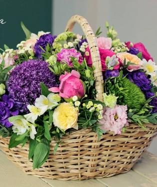 Корзина с цветами Цветочная поляна
