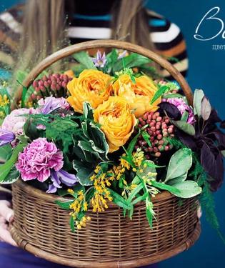 Корзина с цветами Симона